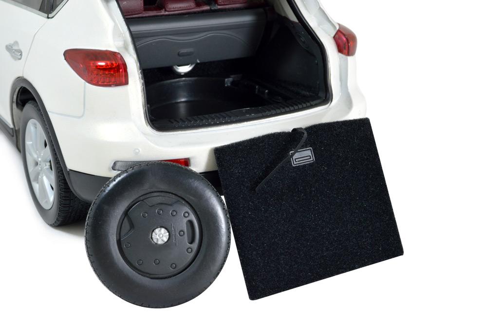 Infiniti EX25 2013 1:18 Scale Diecast Model Car 14