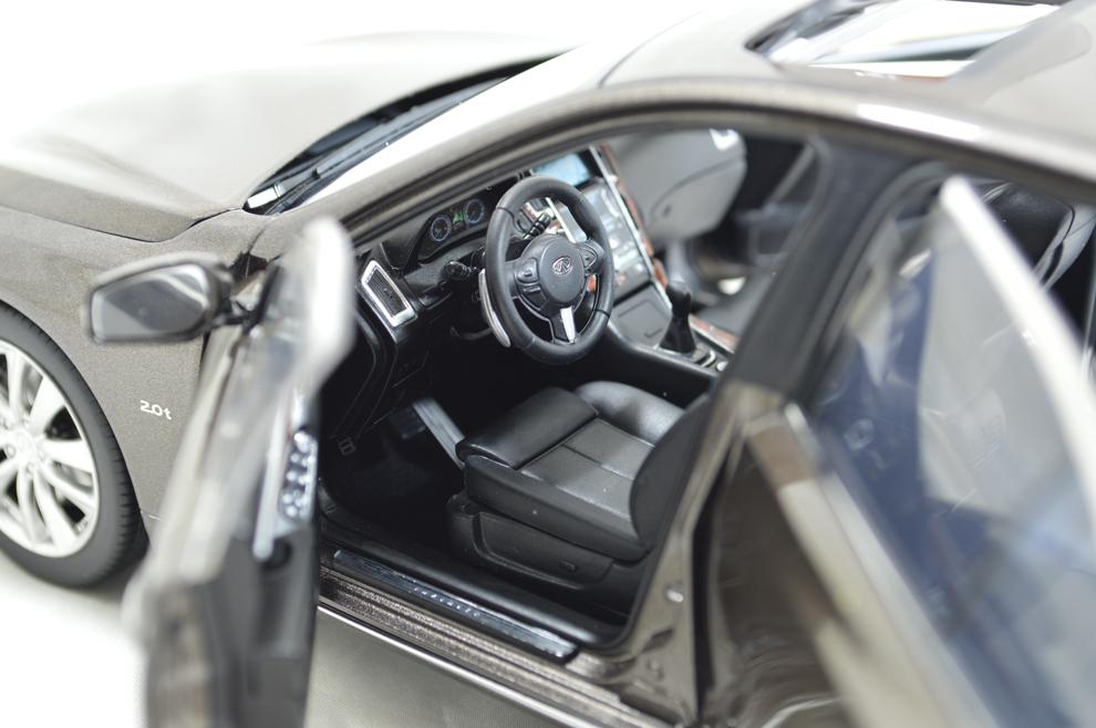 1/18 Scale Infiniti Q50L 2015 Diecast Model Car 7