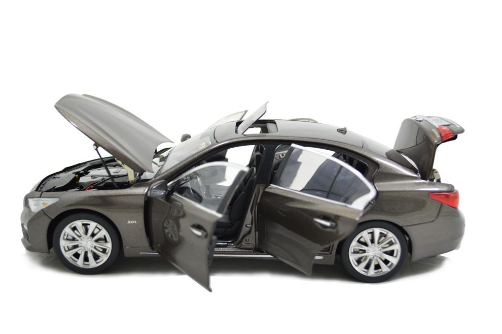 1/18 Scale Infiniti Q50L 2015 Diecast Model Car 16