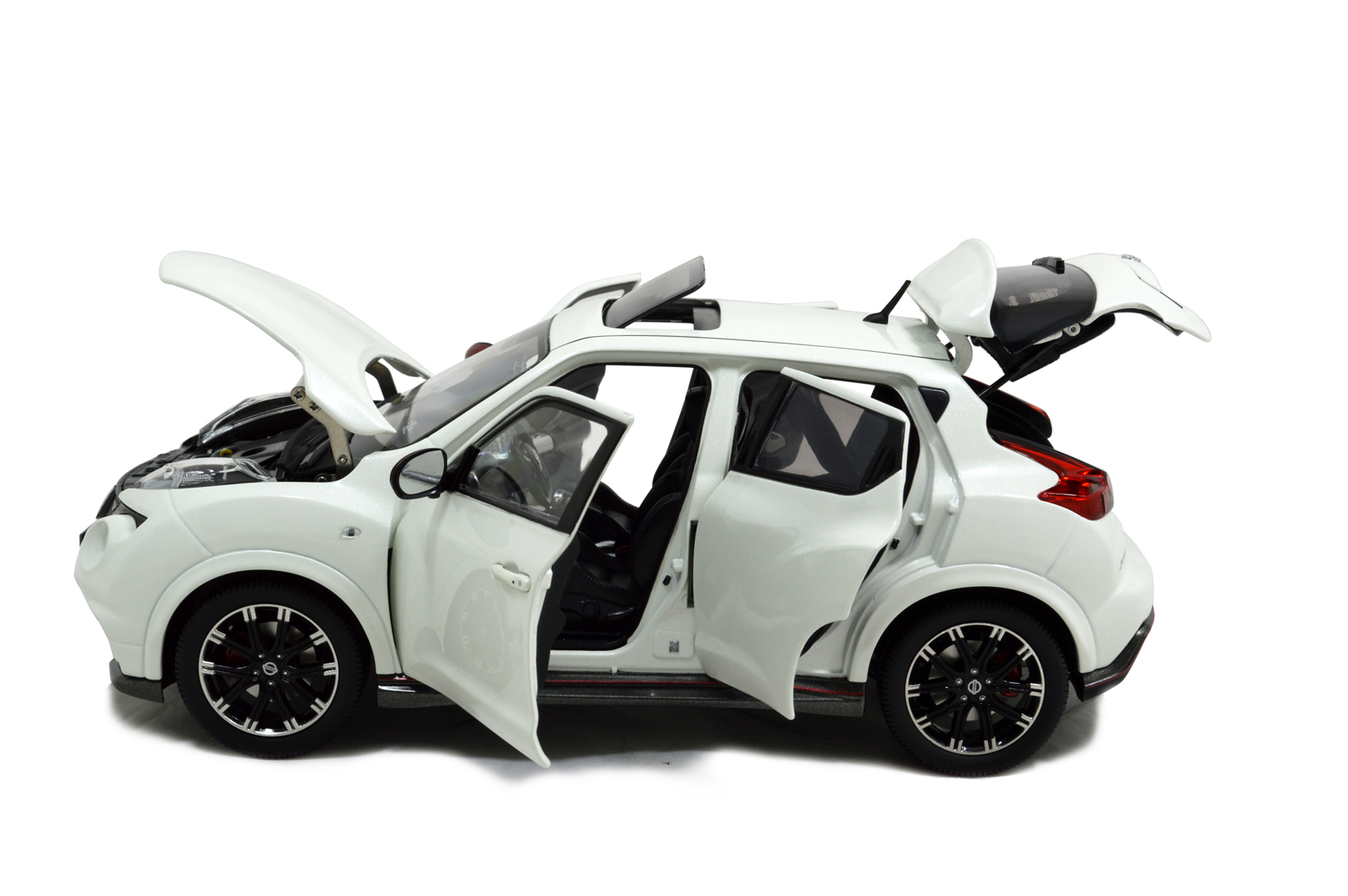Wholesale Car Parts >> Nissan Juke Nismo RS 2014 1/18 Scale Diecast Model Car Wholesale - Paudi Model