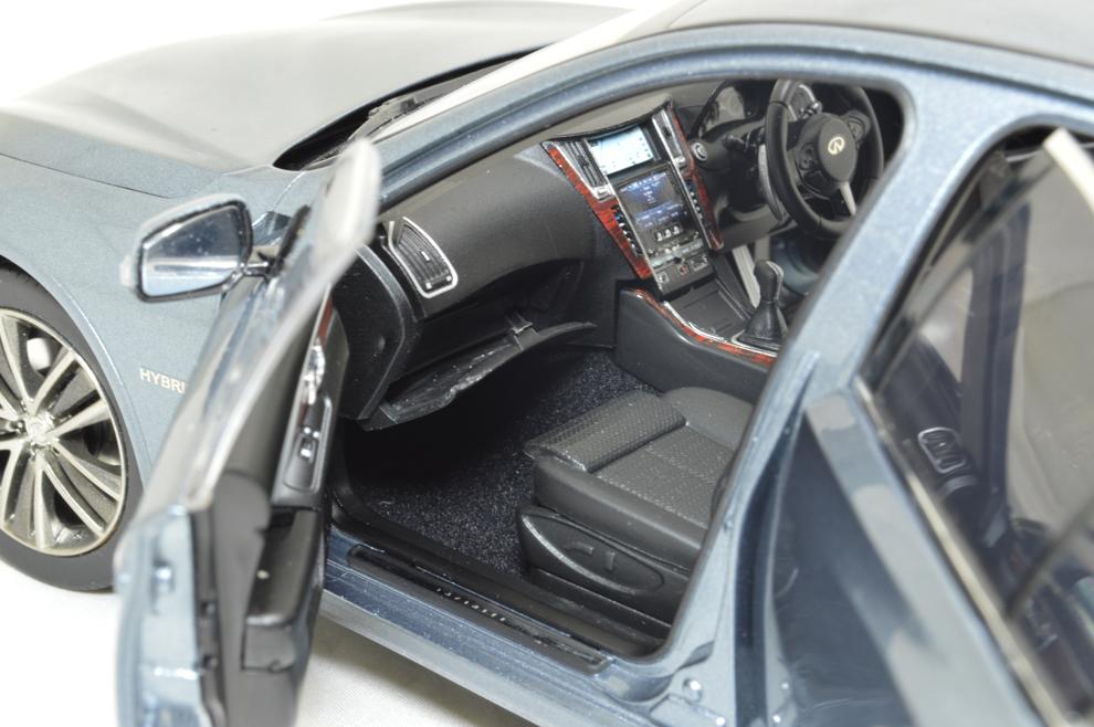 1/18 Scale Skyline 350 GT Hybrid 2015 Diecast Model Car 16