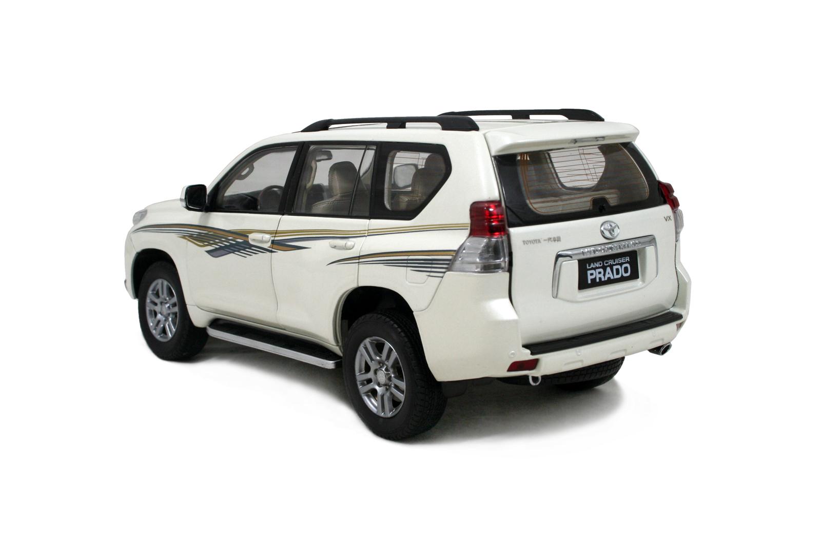 Toyota Land Cruiser Prado 2009 1 18 Scale Diecast Model