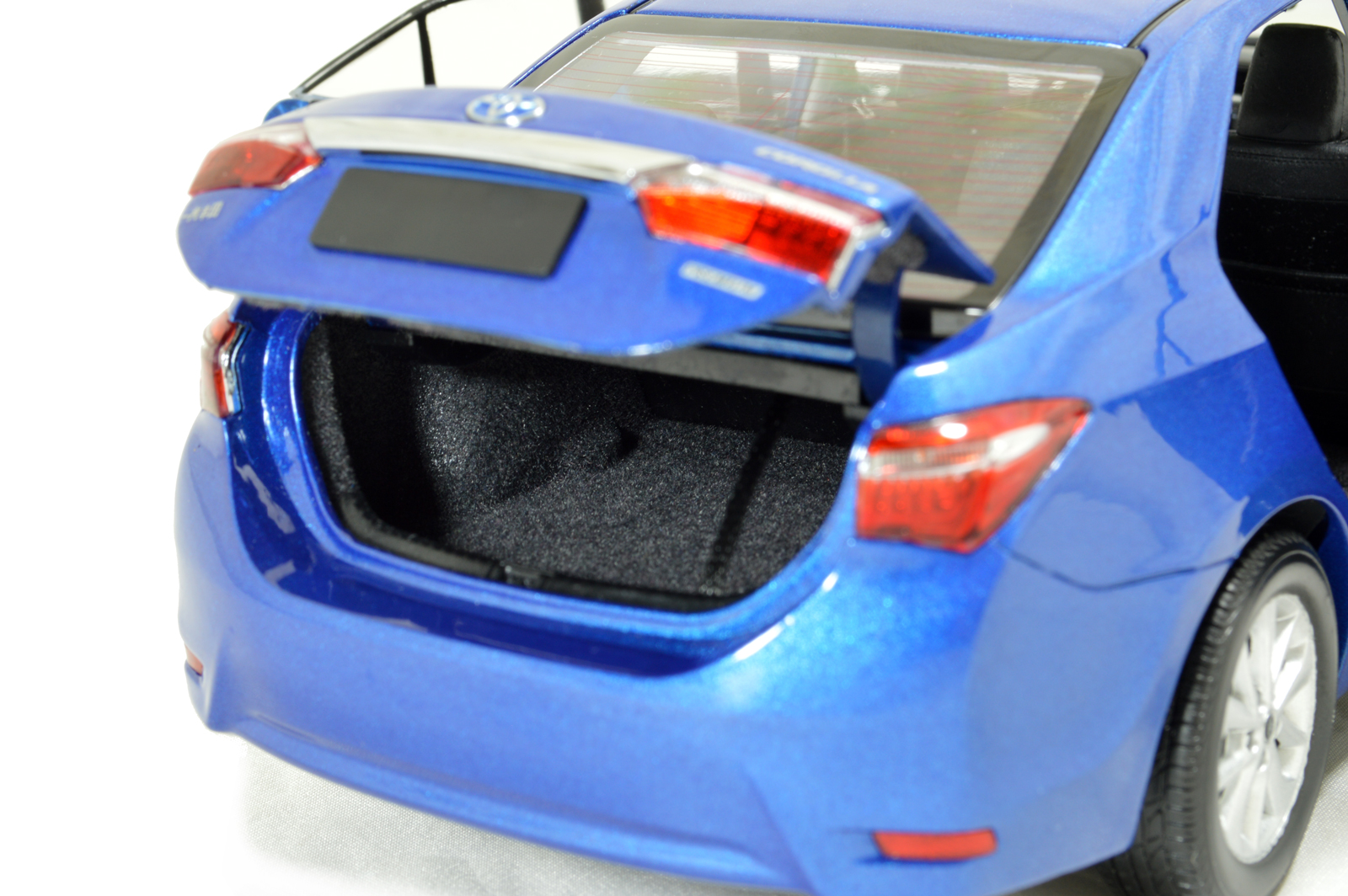 Toyota Corolla 2014 1 18 Scale Diecast Model Car Wholesale