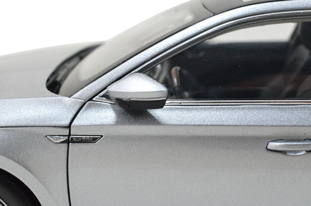 SVW Skoda SuperB 2015 1/18 Scale Diecast Model Car Wholesale 12