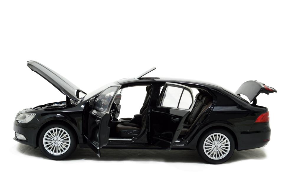 Skoda SuperB 2013 1/18 Scale Diecast Model Car Wholesale 13