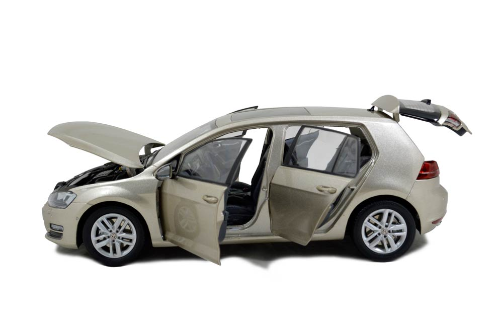 Category/volkswagen >> Volkswagen Golf A7 1/18 Scale Diecast Model Car Wholesale