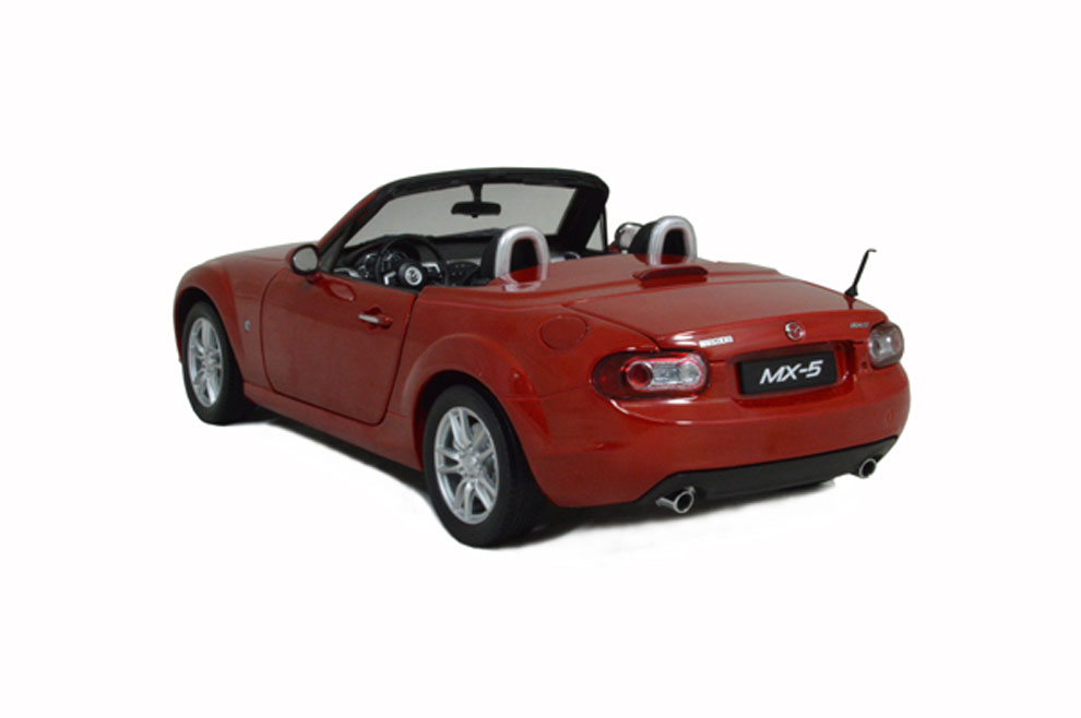 Mazda Mx 5 2012 Red 1 18 Scale Diecast Model Car