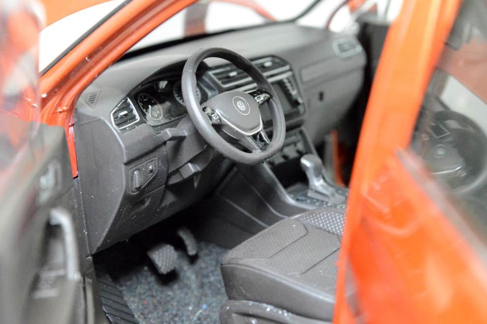 VW Volkswagen Tiguan L 2017 1/18 Scale Diecast Model Car Wholesale 10