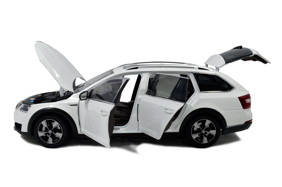 SVW Skoda Octavia Combi 2017 1/18 Scale Diecast Model Car 7