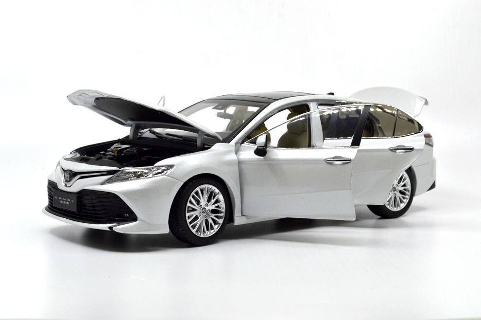 1 18 Toyota Camry 2018 Die Cast Model Car Paudi Model