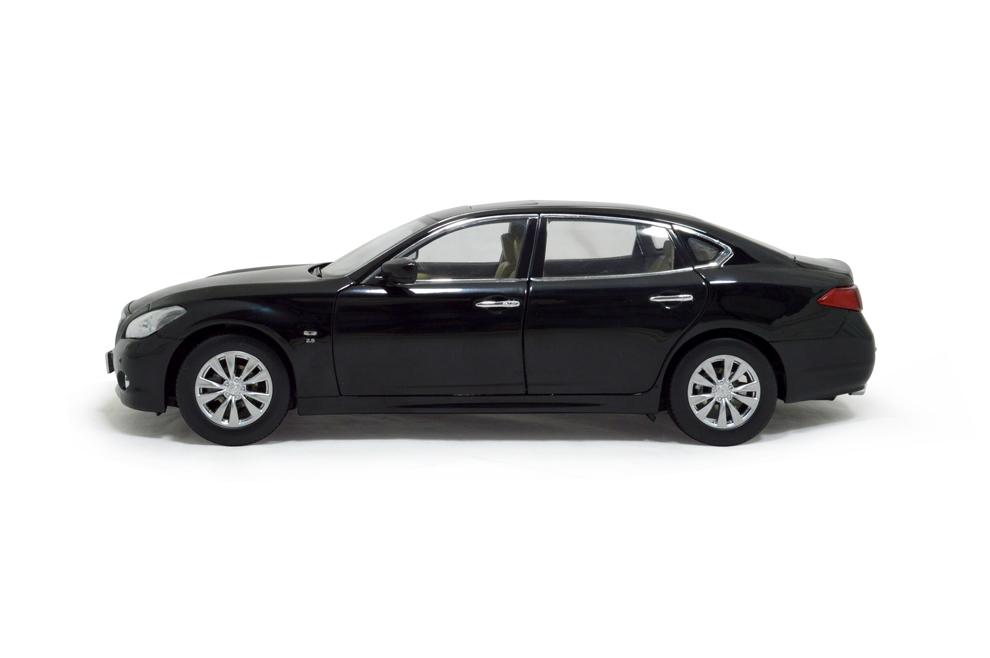 Infiniti Q70L 2014 1/18 Scale Diecast Model Car 5