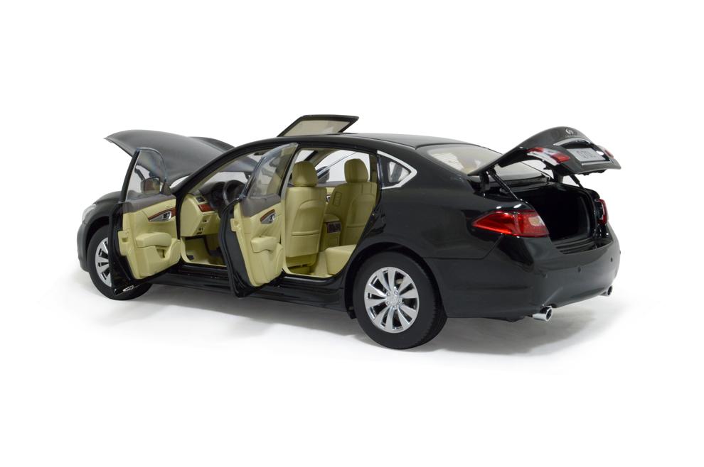 Infiniti Q70L 2014 1/18 Scale Diecast Model Car 9