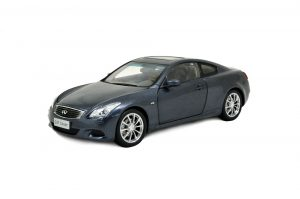 Infiniti G37 2009 1/18 Scale Diecast Model Car 9