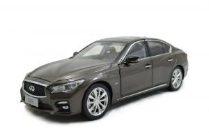 1/18 Scale Infiniti Q50L 2015 Diecast Model Car 10