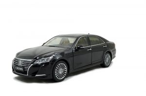 Toyota Crown 2015 1/18 Scale Diecast Model Car Wholesale 15