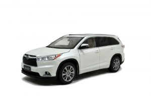 Toyota Highlander 2015 1/18 Scale Diecast Model Car Wholesale 18