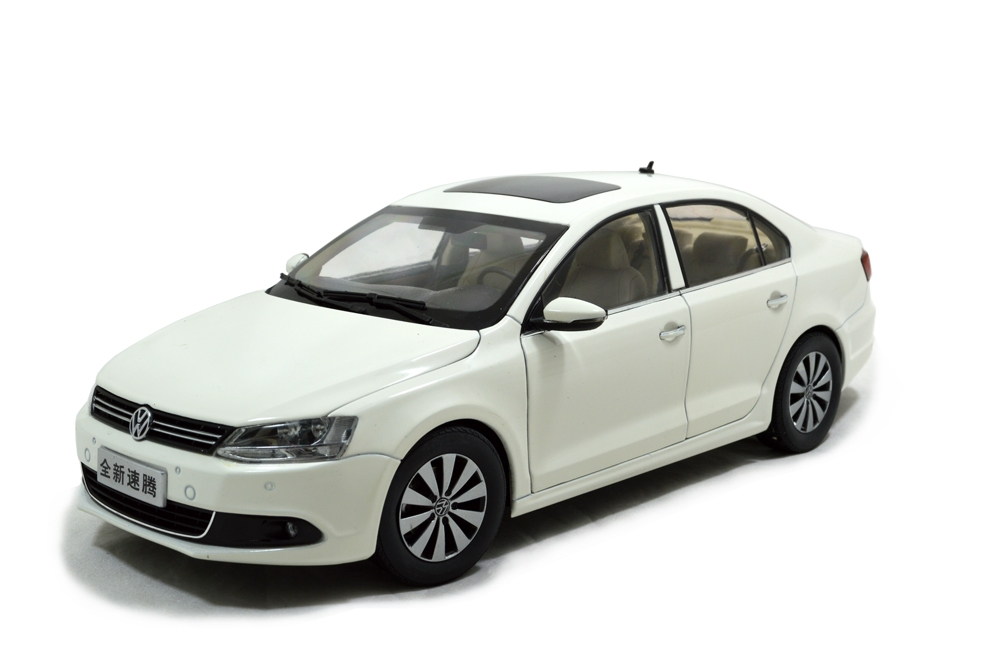 Volkswagen Sagitar 2012 1 18 Scale Diecast Model Car