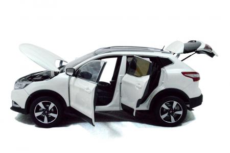 Nissan Qashqai 2015 1/18 Scale Diecast Model Car 4
