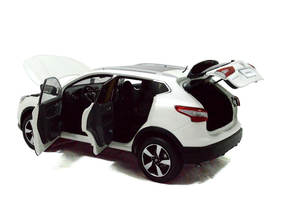Nissan Qashqai 2015 1/18 Scale Diecast Model Car 10