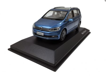 Volkswagen Touran L 2016 1/43 Scale Die-cast model car 1