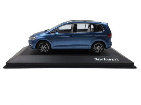 Volkswagen Touran L 2016 1/43 Scale Die-cast model car 3