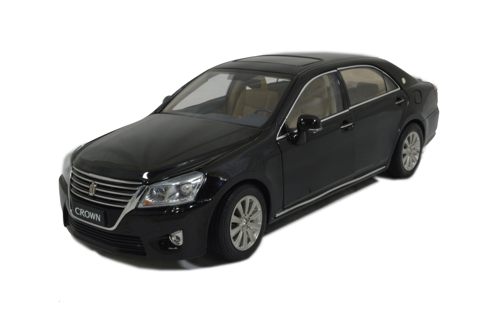 Toyota Crown 2012 diecast model car 1:18 scale model car 3