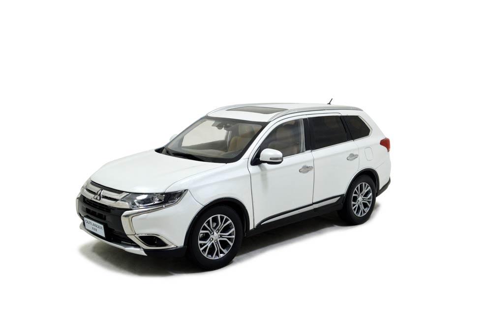 mitsubishi outlander 2016 1/18 scale diecast model car - paudi model