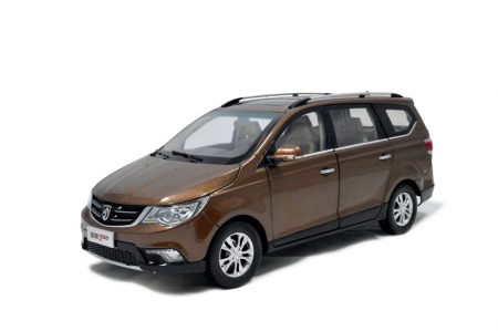 SGMW Baojun 730 MPV 1/18 Scale Diecast Model Car 1
