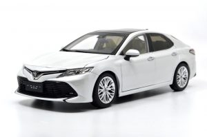 1:18 Toyota Camry 2018 Die-cast model car 25