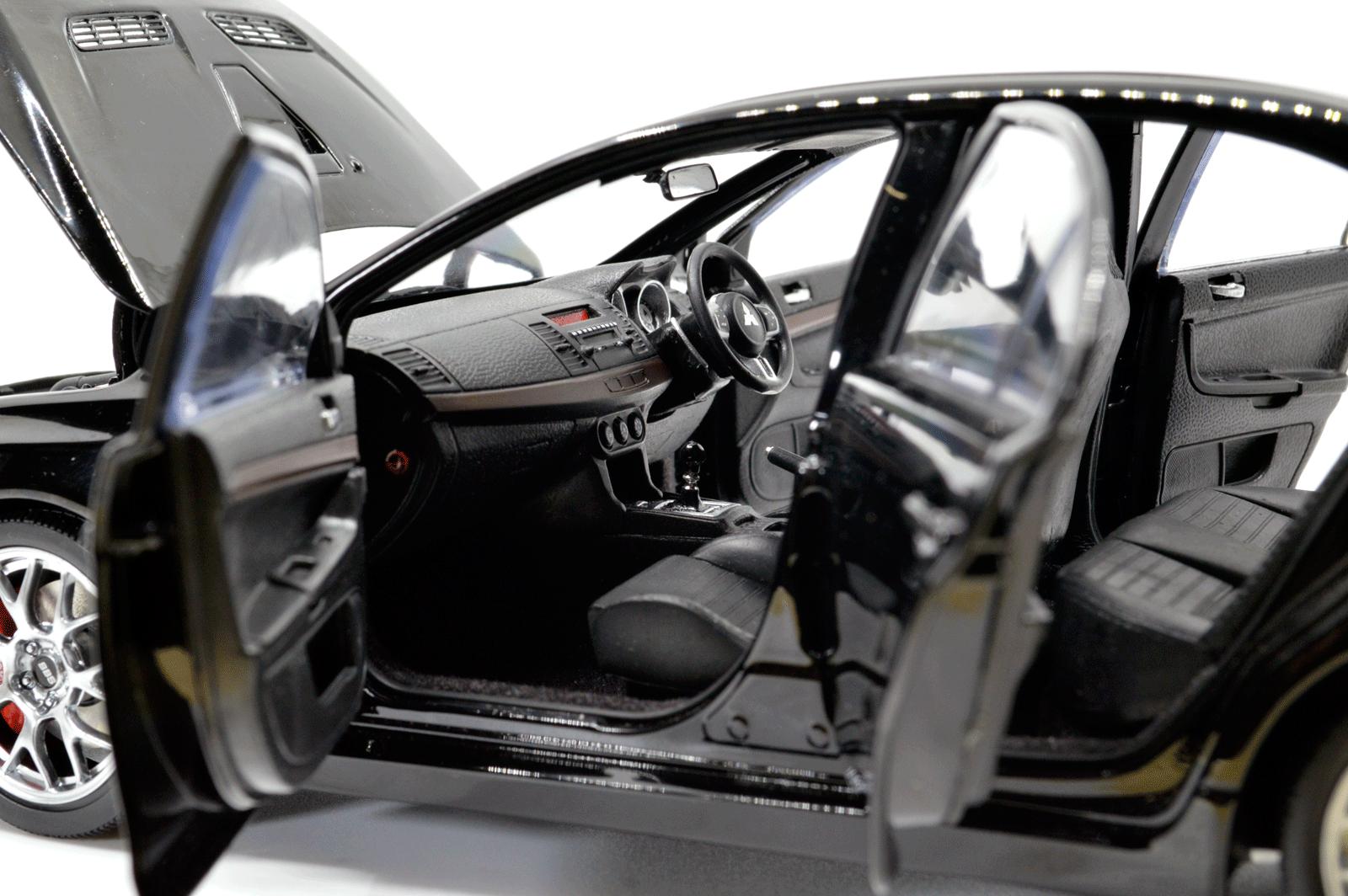 1:18 Scale Mitsubishi Lancer Evolution X 8