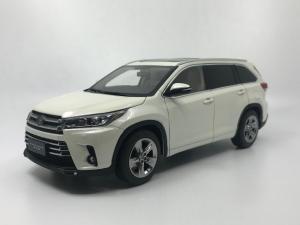 1:18 Toyota Highlander 2019 15