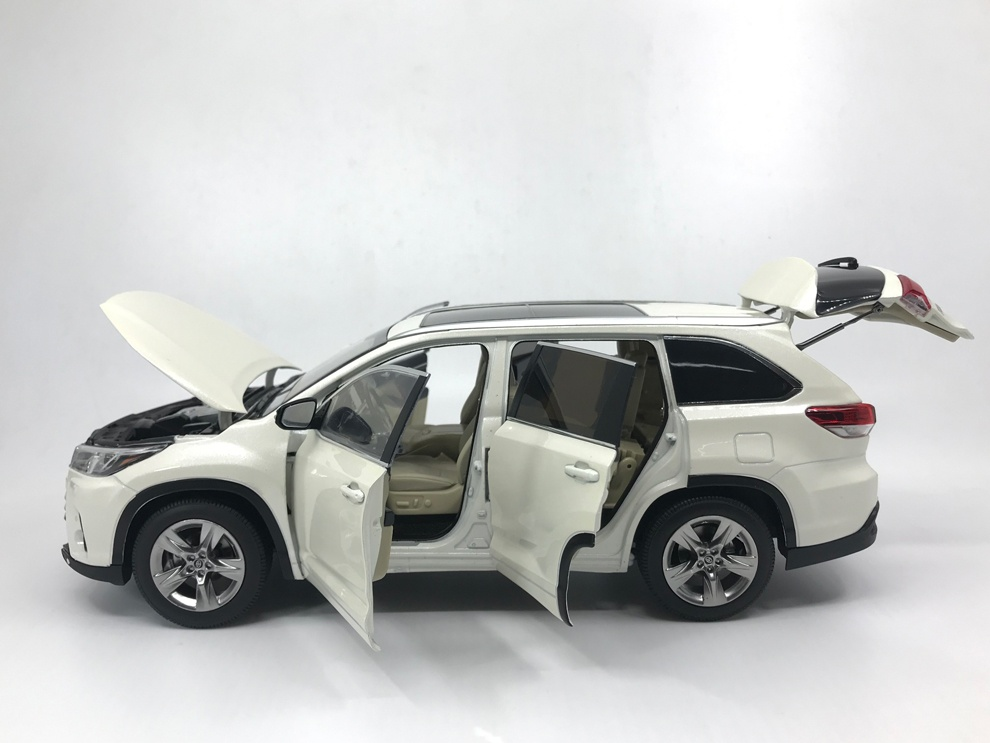 1 18 Toyota Highlander 2019 Paudi Model
