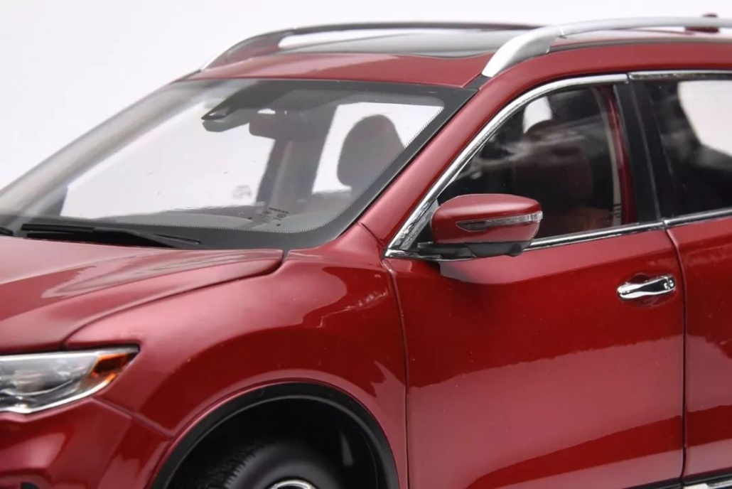 1:18 Scale Nissan X-Trail/ Rogue evaluation 14