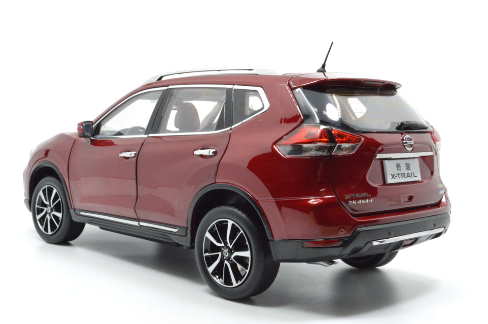 1:18 SCALE NISSAN X-TRAIL 2018 Chinese Version 8