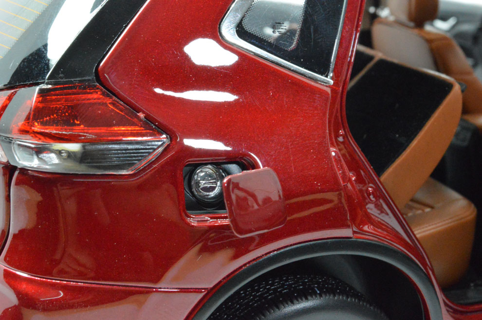 1:18 SCALE NISSAN X-TRAIL 2018 Chinese Version 11