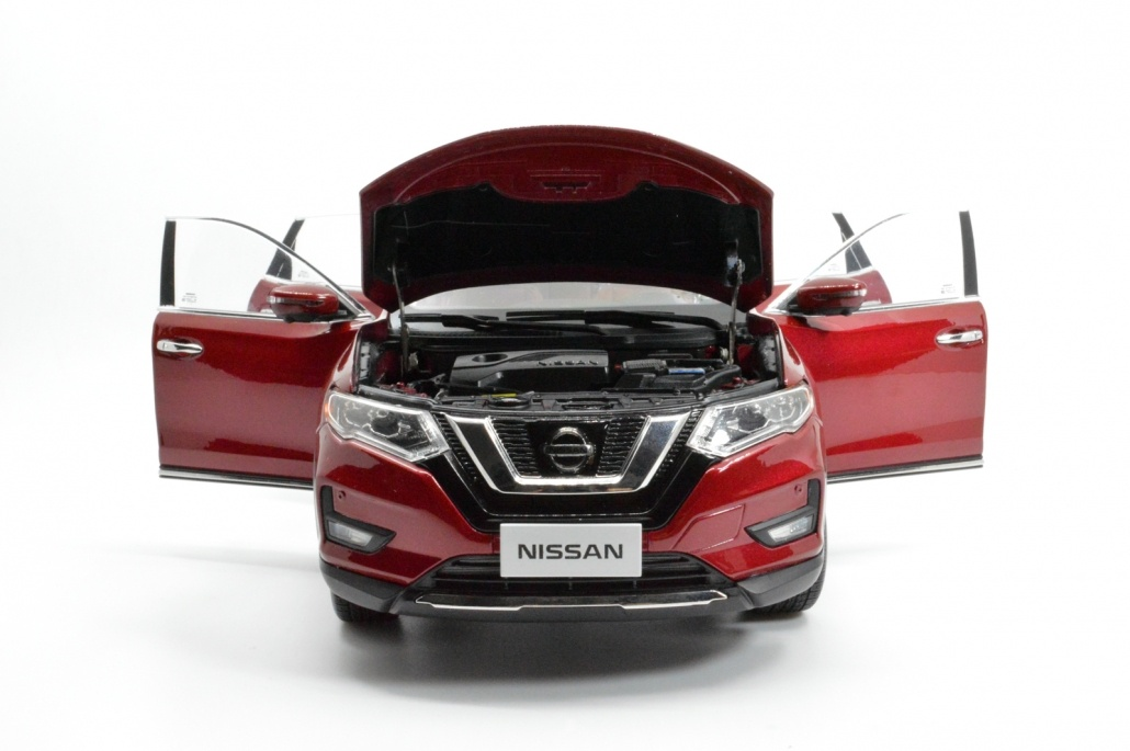 1/18 Nissan Rogue red open