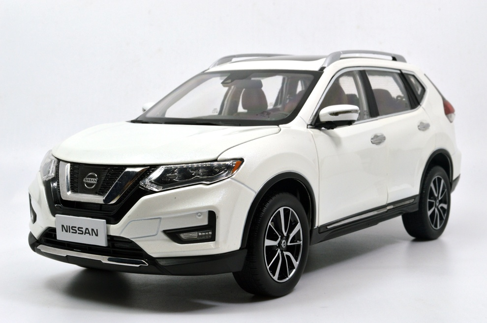 1/18 nissan rogue white