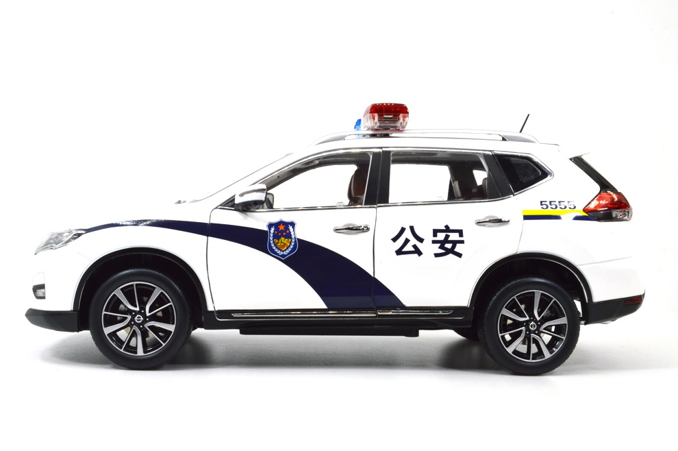 1:18 SCALE NISSAN X-TRAIL 2018 Chinese Version 27