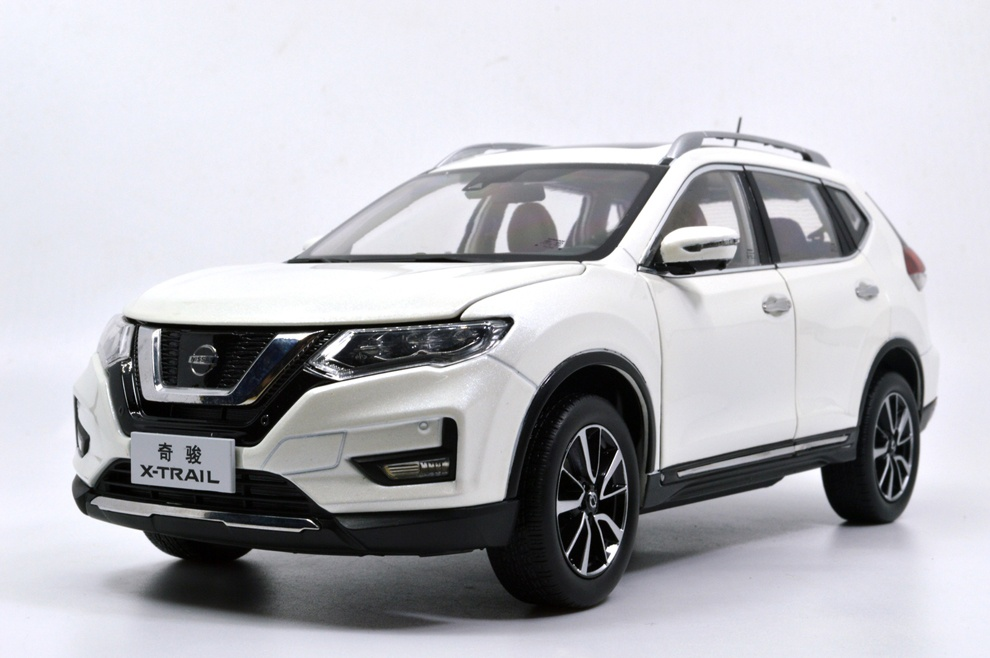 1:18 SCALE NISSAN X-TRAIL 2018 Chinese Version 15