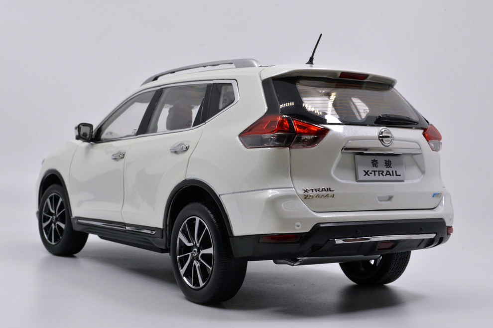 1:18 SCALE NISSAN X-TRAIL 2018 Chinese Version 17