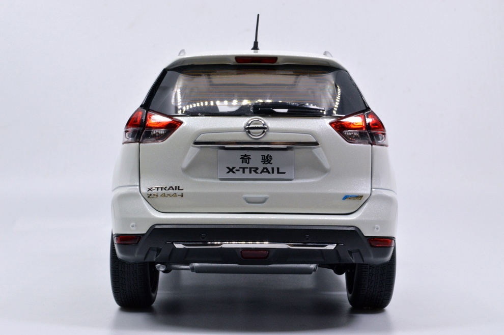 1:18 SCALE NISSAN X-TRAIL 2018 Chinese Version 18
