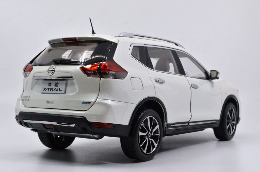 1:18 SCALE NISSAN X-TRAIL 2018 Chinese Version 19