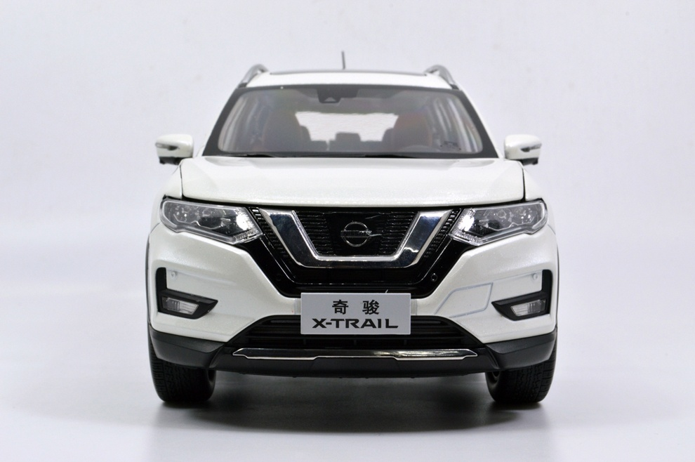 1:18 SCALE NISSAN X-TRAIL 2018 Chinese Version 14