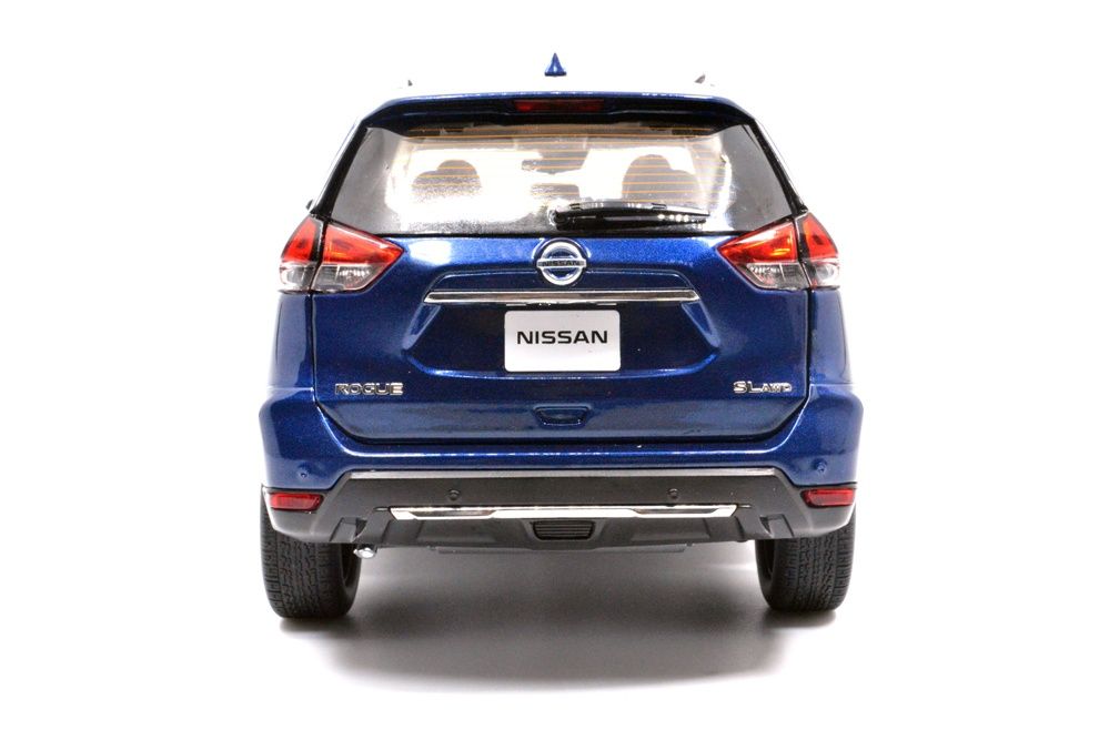 1/18 nissan rogue blue back