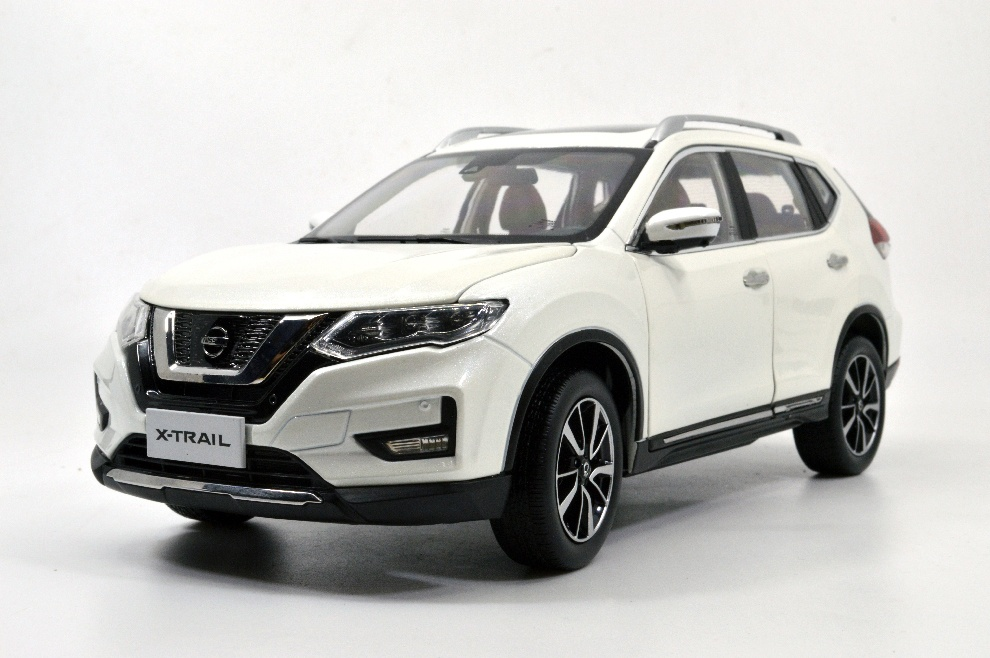 1:18 SCALE NISSAN X-TRAIL 13