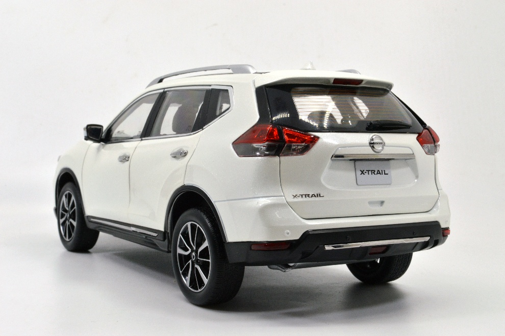 1:18 SCALE NISSAN X-TRAIL 14