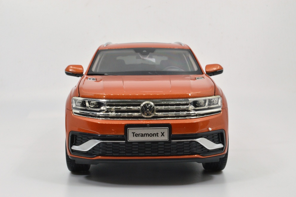 1:18 Volkswagen/VW TeramontX Diecast Model Car Wholesale 8