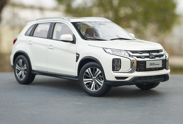 1/18 mitsubishi asx 2020 diecast model car - paudi model