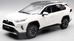1:18 Toyota RAV4 2019 Diecast Model Car 3
